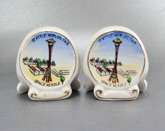 Vintage 1962 Seattle Worlds Fair Souvenir 3 Sided Salt Pepper Shakers Century 21 Exposition