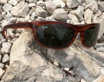 Vintage Ray-Ban sunglasses Balorama Tortoiseshell frame green lenses lunettes  de soleil eye shade sunblock legendary seasonal eyewear e50d72ae21b1