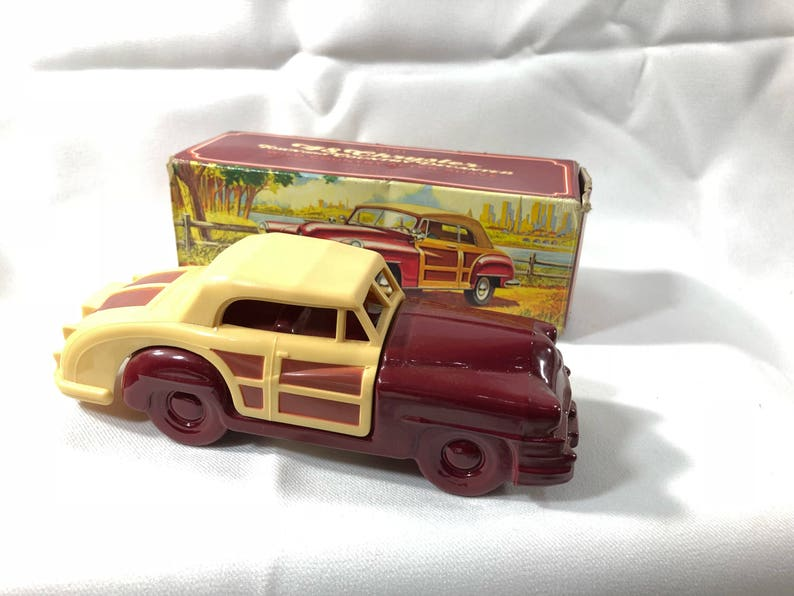 Avon 48 Chrysler Town and Country Decanter Wild Country image 0