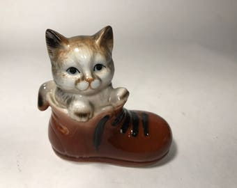 Vintage Ceramic Kitten In A Boot Figurine Knick Knack Cat Collectors