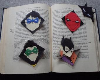 Bat Family Corner Bookmark  (Batman, Nightwing, Red Hood, Batgirl, Robin)