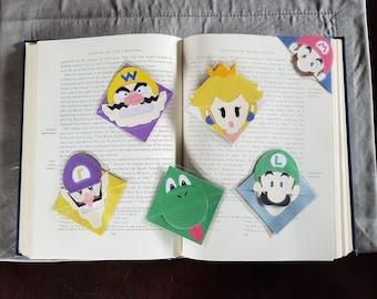 Laminated Videogame Corner Bookmark Mario, Luigi, Wario, Toad, 1 Up, Princess Peach, Yoshi (laminated)