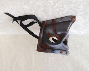 Artisan Bauta mask: 'Industrial bauta' (metal imitation) - Traditional handmade mask
