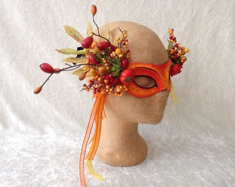 Artisan eye mask: 'Fancy autumn berries'  - Traditional handmade mask
