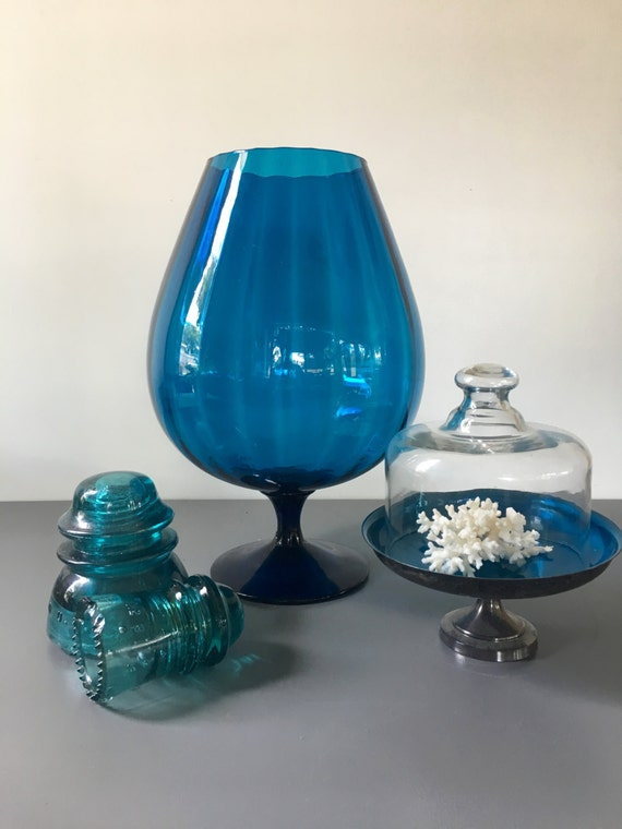 vintage grand pieds superbe vase bleu canard optique en verre etsy. Black Bedroom Furniture Sets. Home Design Ideas