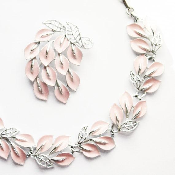 Lisner Pink Necklace and Brooch Set, vintage Lisne
