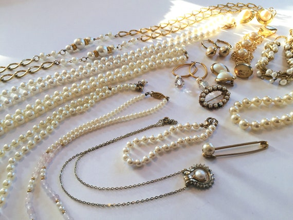 1950s-1980s Vintage Faux Pearl Necklaces Classic Pearl Necklaces Pearl Necklace Lot
