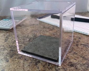 Dirty metal flooring - Terrain Display Cube