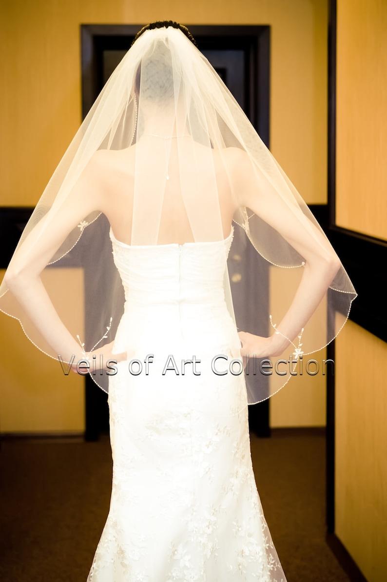 NWT 1T Fingertip Bridal Wedding Veil Scalloped Beaded Flower Motif Edge VE167 Handcrafted