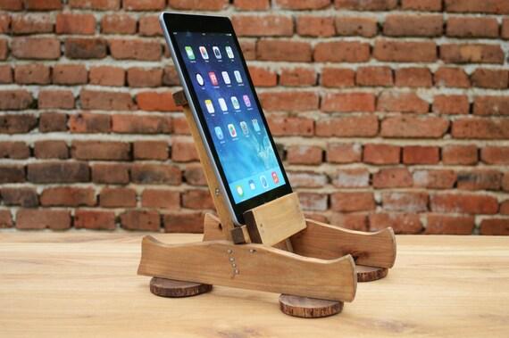 h lzerne ipad tablet st nder ipad halter ipad dock etsy. Black Bedroom Furniture Sets. Home Design Ideas