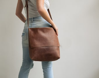 Leather Messenger Bag, Womens Satchel, Leather Cross Body Bag,Leather Satchel, Laptop messenger Bag, Personalized Bag, Custom Leather bag