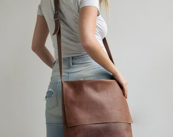 Leather Messenger Bag, Womens Satchel, Leather Cross Body Bag,Leather Satchel, Laptop messenger Bag, Personalized Bag, Personalized Gift