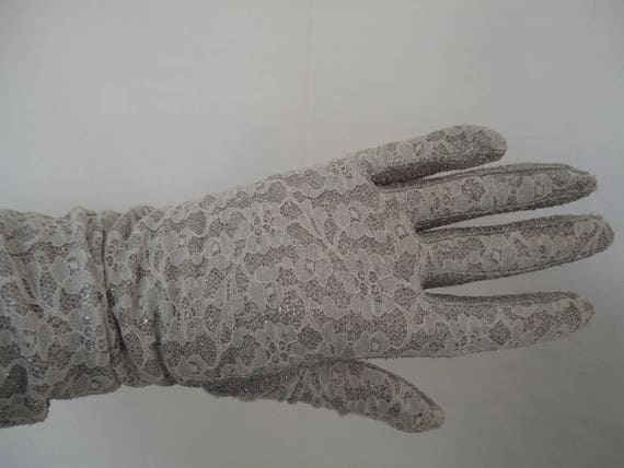 Vintage Silver Lurex & White Lace Mid Length Glove