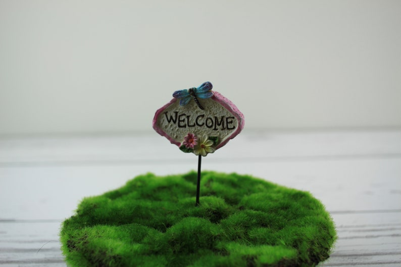 Fairy Garden Miniature Welcome Sign Resin image 0