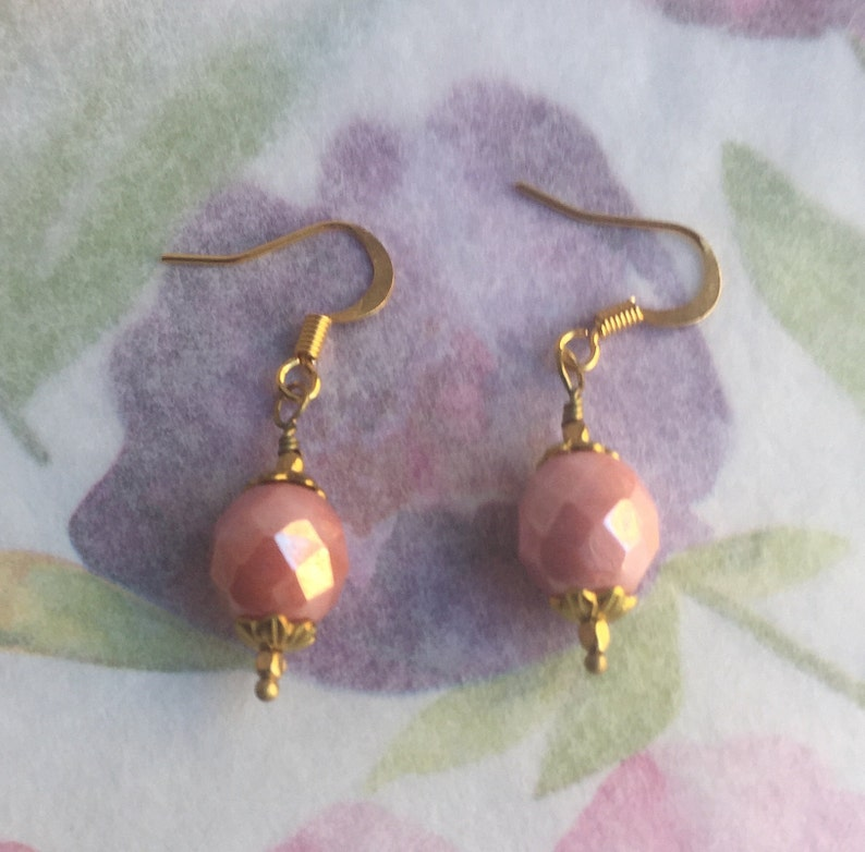 Brass findings Dusty Rose Faceted Round Fire Polished Czech Glass Beads Free Shipping. Ea-93 Old Rose Earrings Blush Pink Earrings