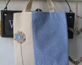Little girls tote bag with flower detail