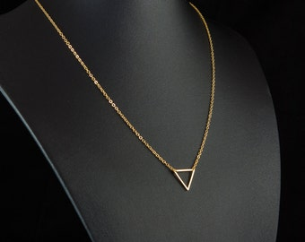Dainty Gold Triangle Necklace, Fine Gold Chain, Simple Necklace, Geometric Contemporary Minimalist Jewellery