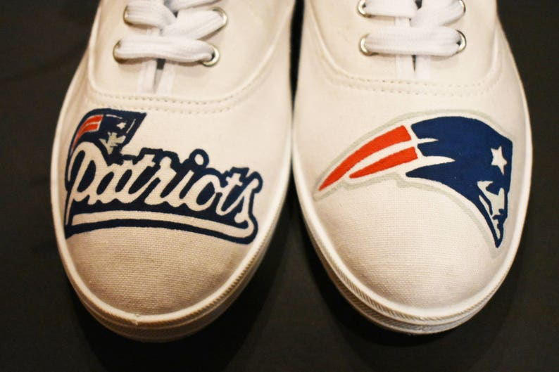 a8069edb7b64e New England Patriots Painted Canvas Shoes