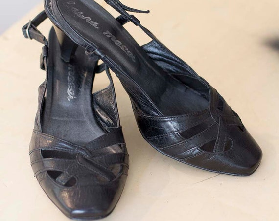 Vintage Leather Sandals by Laura Messi Size 37