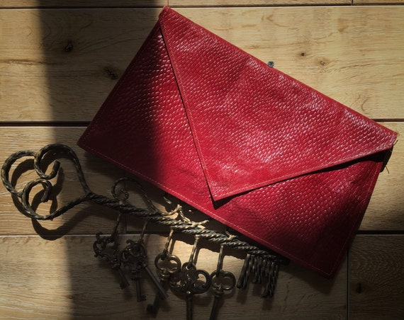 Vintage Red Leather Enveloppe Clutch