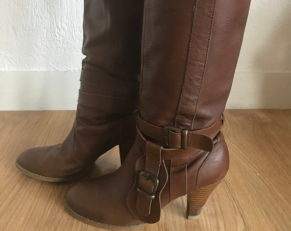 Vintage Leather Boots with Belt Size FR38