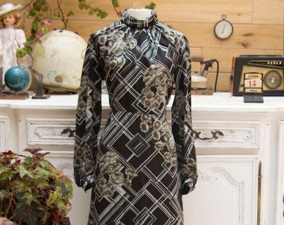 Vintage Handmade Long Dramatic Dress Size Medium/Large