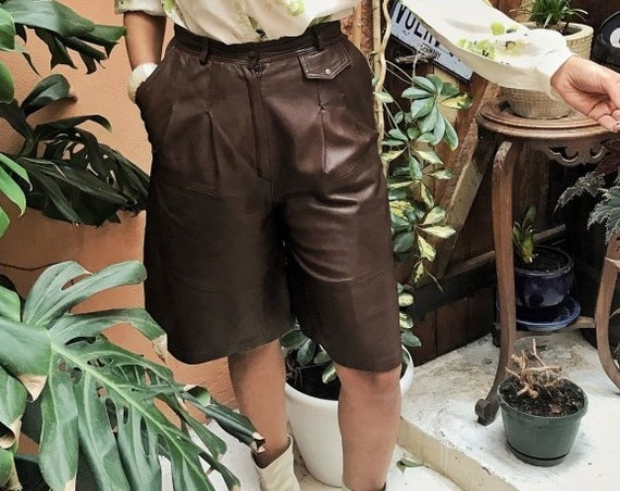 Vintage Brown Leather Shorts Size 38