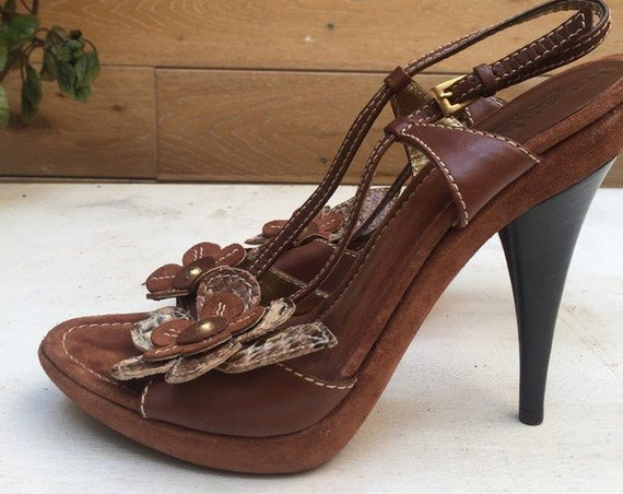 Sued Leather Sandals with Flower Size 38
