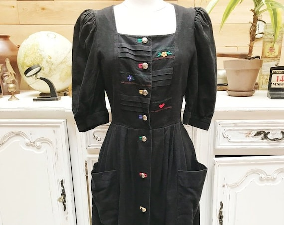 Vintage Embroidered Dress Size Medium