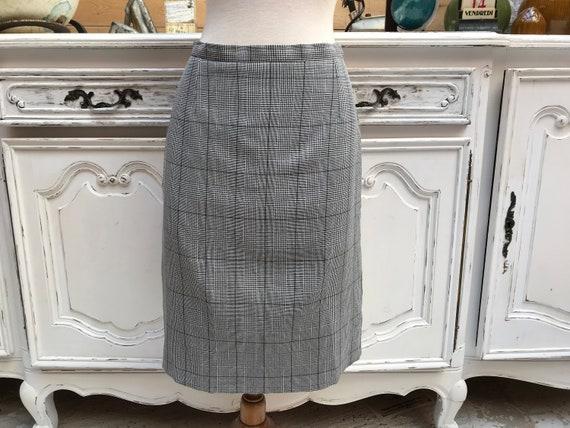 Grey Pencil Tartan Skirt 40/Medium