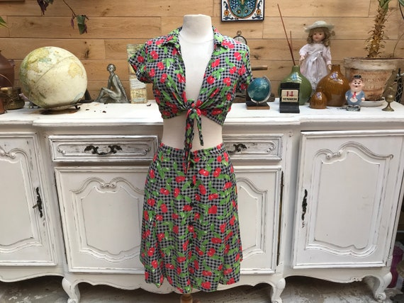 Vintage Cherries Set Size Medium