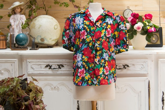 Vintage 1970's Flower Blouse Size Large