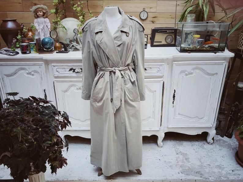 premium selection 870b3 de1c7 Vintage Trench Coat by Gil Bret Size 40