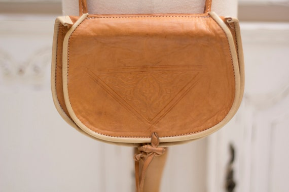 Vintage Small Shoulder Camel Leather Bag