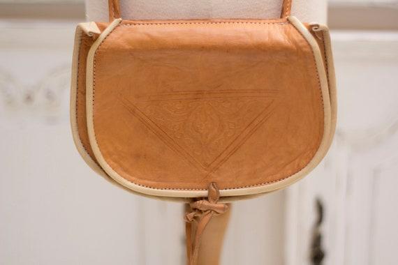 Vintage Small Shoulder Camel Leather Bag
