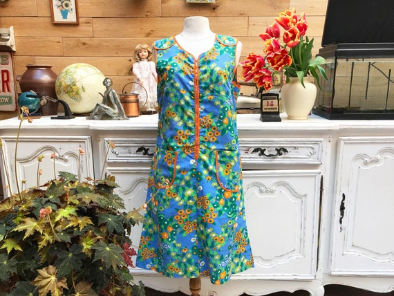 Vintage 1960 Sleeveless Flower Dress with Pockets Size Large