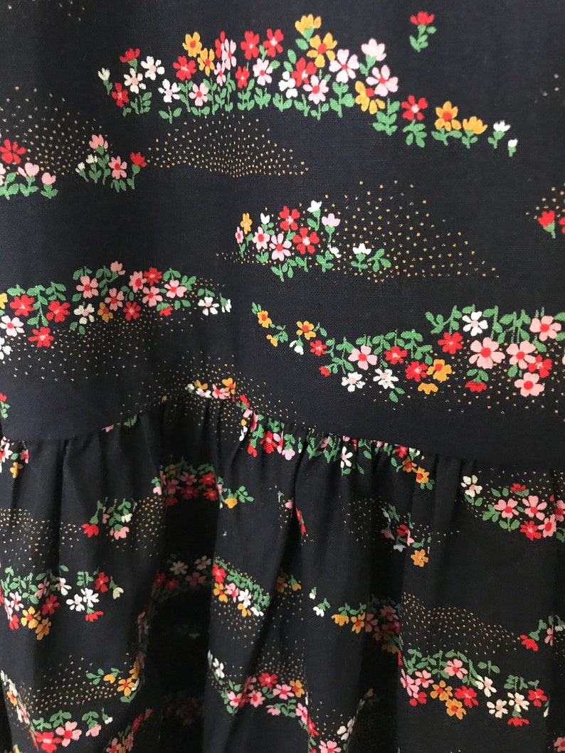 Gypsy style vintage skirt black floral flared style with gathered layer Peasant Gypsy Boho look size M best to fit 10-12