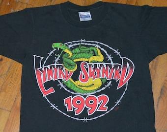 41d8277f365 1992 LYNYRD SKYNYRD vintage concert tour rare original rock band music t- shirt Medium (M) mens tee 90s 1990s 80s 1980s