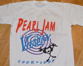 a9b0294e27d 1995 PEARL JAM vintage concert tour rare original grunge rock t-shirt Large  (L) 1990s 90s tee tshirt GiFT Eddie Vedder Mookie Blaylock
