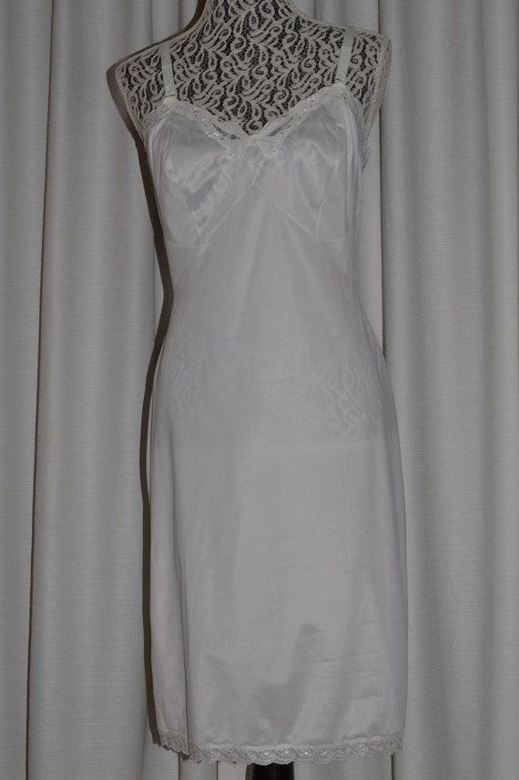 Vintage White Lingerie Underwear Slip 1970s - image 2