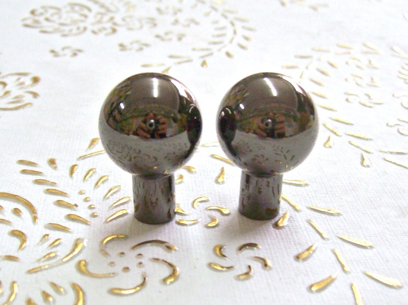 Italy Brass nickel crome knobs in high quality Diam.mm.30,base mm.12,height mm.40.art.136 brass polished nickel crome knob turned brass