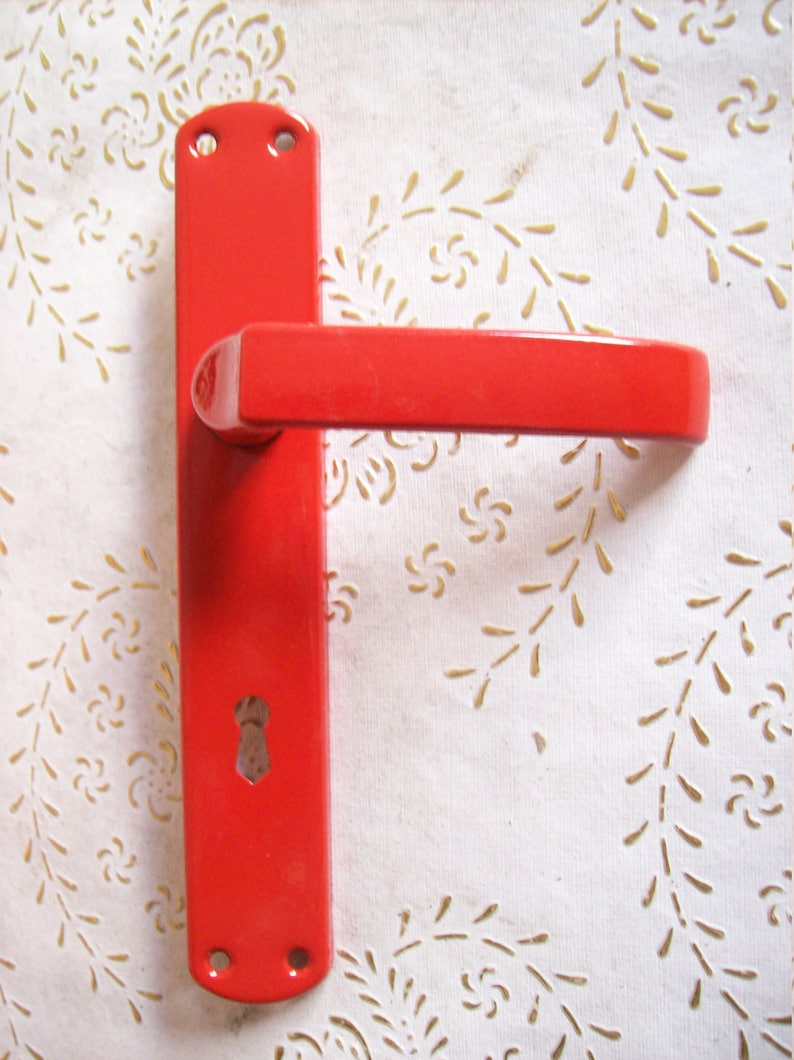 holes distance mm Red  handles.red lacquered iron.Art.1143 Vintage Italy red handle of very high quality.handle with square plate 8 70