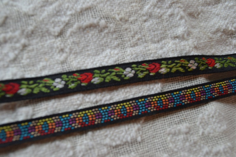 """4 Yds Tiny Pink Rose Roses Embroidered Woven Jacquard Ribbon Trim 3//8/""""W"""