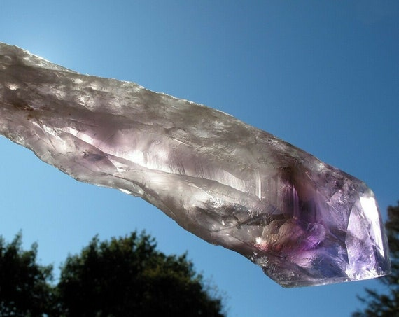 9 inches tall Amethyst elestial point. Tip is excellent. Caetité, Bahia, Brazil