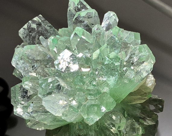 Fine crystal Flower. Fluorapophyllite with Stilbite, from Jalgaon, Maharashtra, India. This passed through many well known collectors
