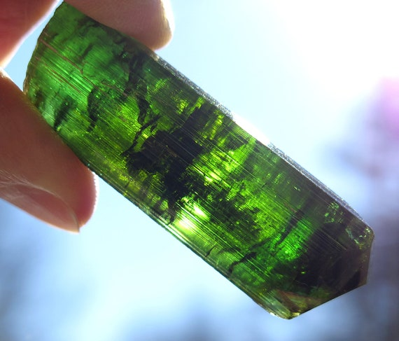 44 Gram Bright Green Tourmaline. 2.4 inches tall. Aracuari MG Brazil