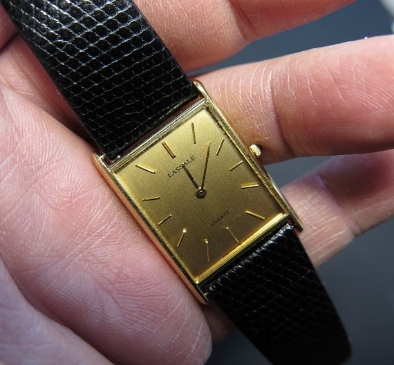Vintage Ultra thin Seiko Lassale- Gold color Wrist Watch. Very nice sleek watch