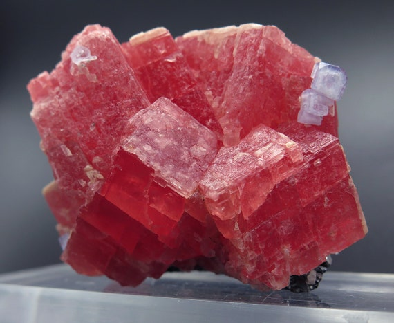 Rhodochrosite. Rainbow Pocket, Tetrahedrite Stope, Sweet Home Mine, Alma District, Park County, Colorado, USA 4.5 x 6.3 x 4.2 cm 143.3 gram