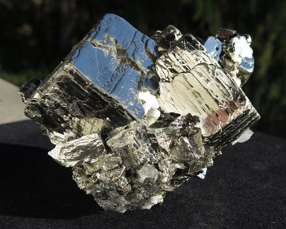5 pound 6.6 ounce Fine Twin main cube Pyrite. Mined from Huanzala Mine, Peru. Note the large size twin min cubes. This is a great piece
