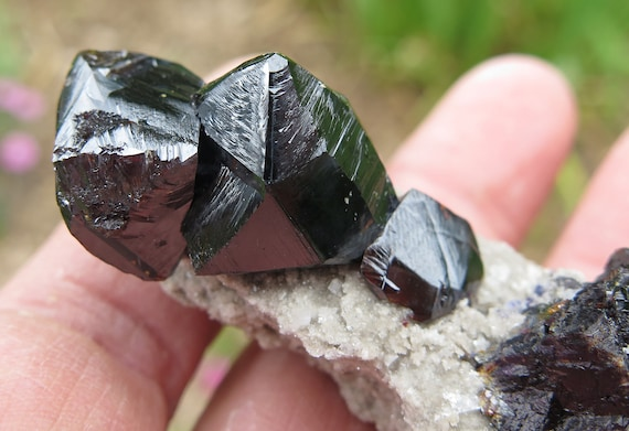 Well formed large Sphalerite crystals on matrix. Gordonsville mine, Smith Co., Tennessee, USA. Mounted on stand included.